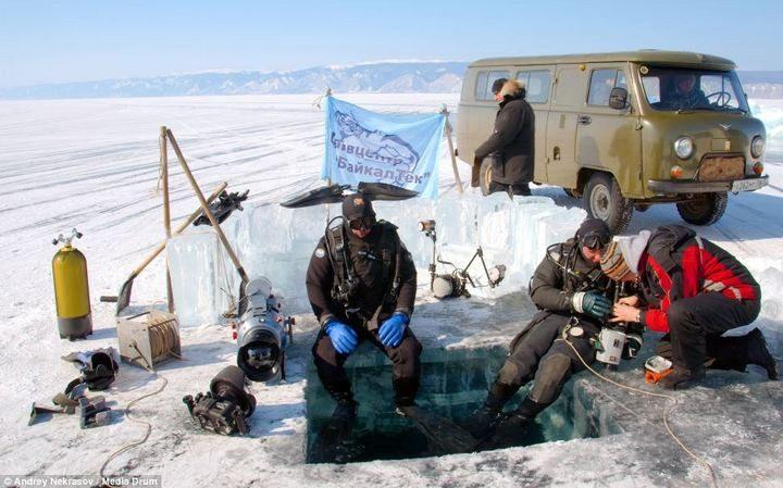 Plongée de Noël au lac Baikal