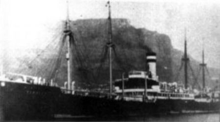 Photo du cargo Tirpitz lors de sa grande époque avant que cela devienne une épave copyright Nautilus TDC