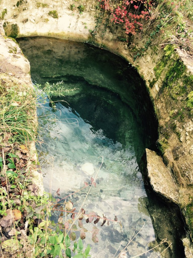 L'entrée de la vasque à Marchepied Plongée Souterraine Lot