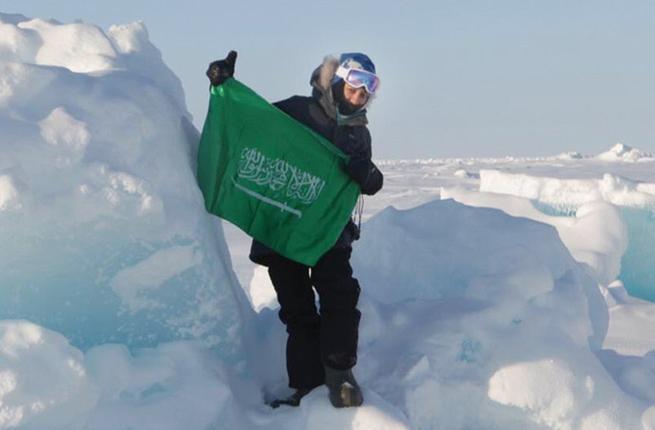 La plongeuse saoudienne Mariam Al-Fardous, connue pour être la première femme saoudienne et arabe à plonger au pôle Nord, se prépare à plonger au pôle Sud en février.