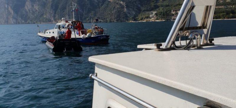 """Adam Pawlik """"Ziolo"""" décède lors de sa tenative de record à 330 mètres dans le lac de Garde en Italie"""